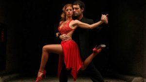 tango lift representing Access Ballroom Studio's Tango Lessons Toronto